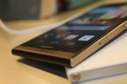 Huawei-Ascend-P6-Nero-15-520x346