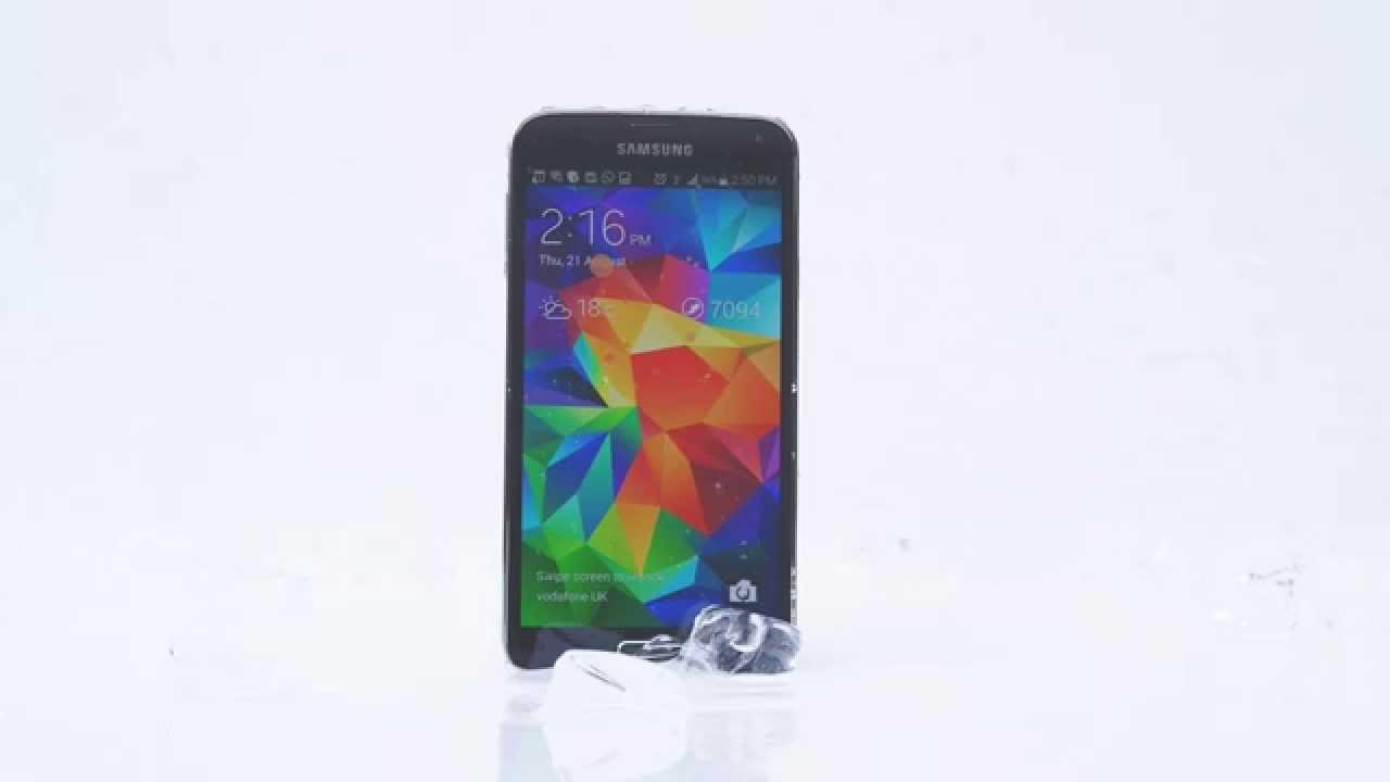 Ice Bucket Challenge: Samsung Galaxy S5 sfida iPhone 5S, Nokia Lumia 930 e HTC One M8